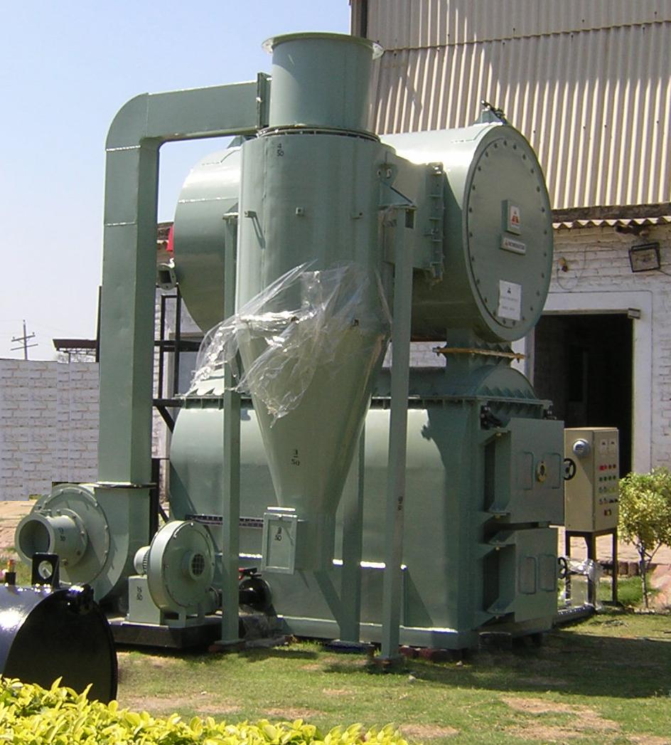 INCINERATOR WITH CYCLONE SEPARATOR