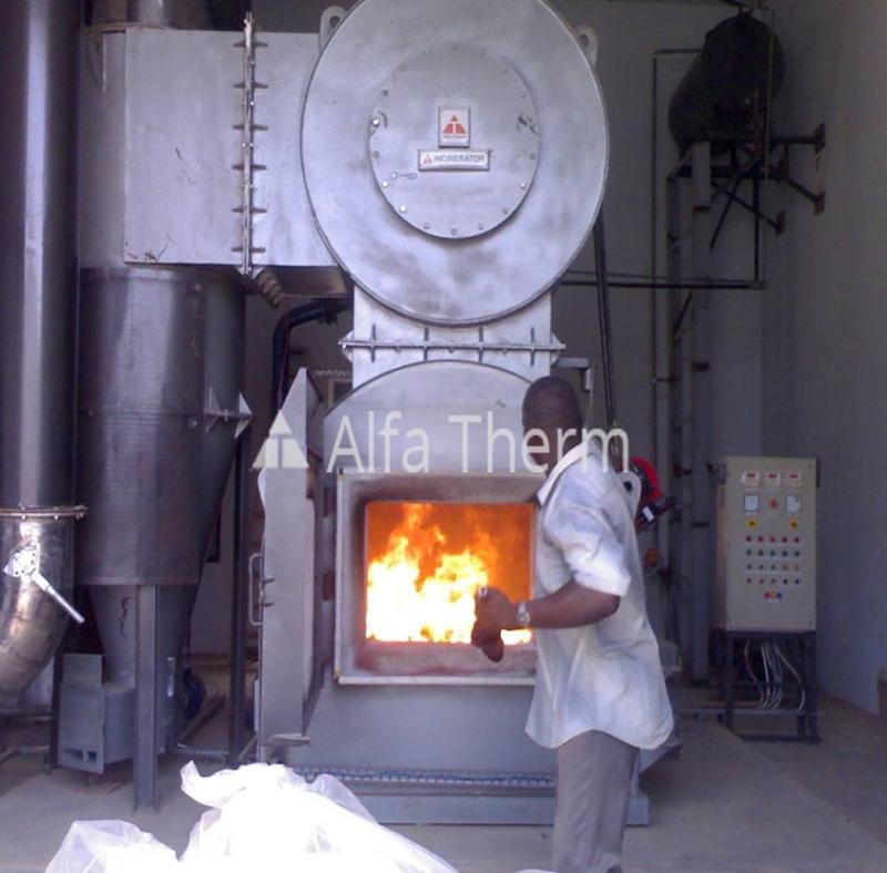 INCINERATOR WITH INBUILT SCRUBBER