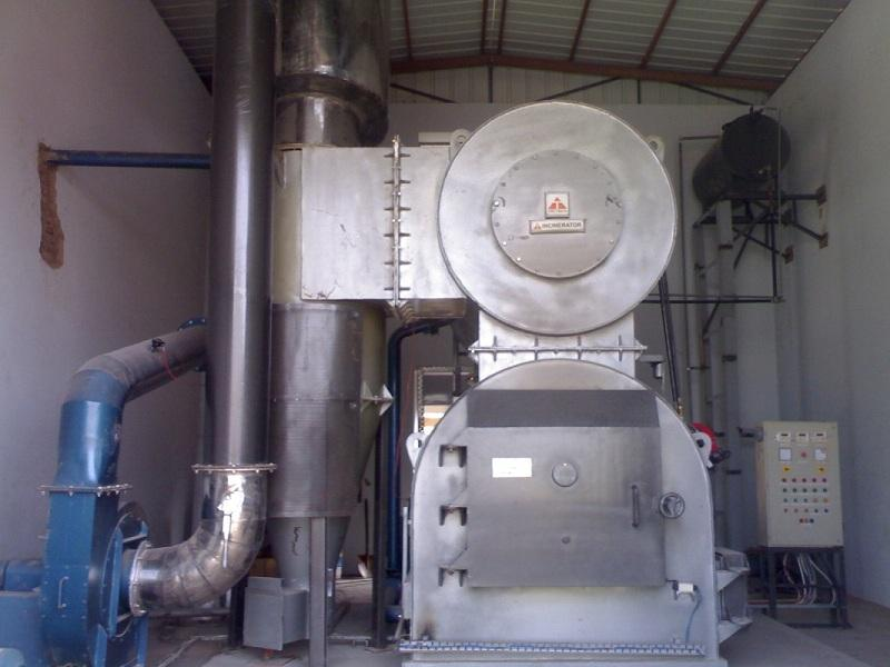 INCINERATOR WITH CYCLONE SEPARATOR & CYCLONIC SCRUBBER